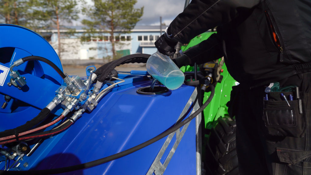 Professional Disinfection equipment can carry ready-to-use disinfection fluid