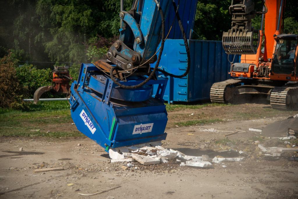 HRVB Hydraulinen kierrätyskauha on täydellinen työmaiden päivittäiseen puhtaanapitoon.
