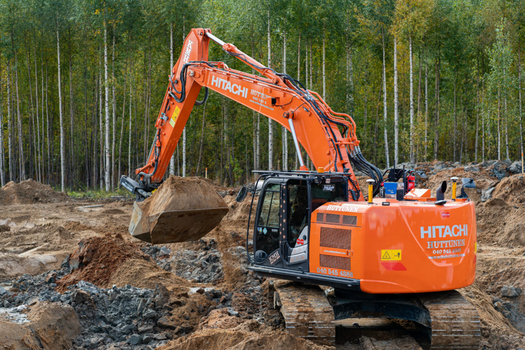 DYNASET HG Hydraulic generator that is installed onto an excavator.